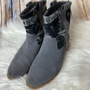 Toms suede boho boots size 9.5